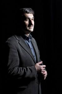 Dirigenten Michael Deltchev fotograferet i Musikhuset Aarhus.